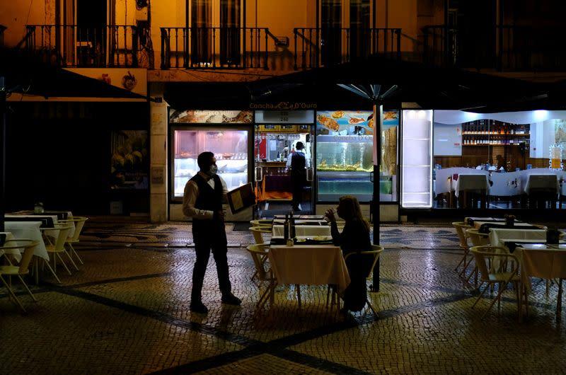 Coronavirus: Le Portugal lève le couvre-feu grâce à l'avancée de la vaccination