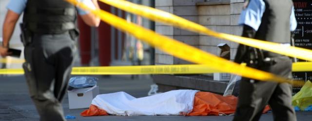 A Toronto, deux kilomètres jonchés de cadavres et de débris