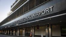 Etats-Unis : interdite d'embarquer pieds nus dans l'avion, elle s'en prend à un employé de l'aéroport