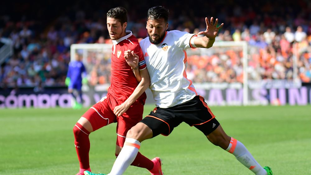 Calciomercato Juventus, attesa per Spinazzola: piace anche Garay