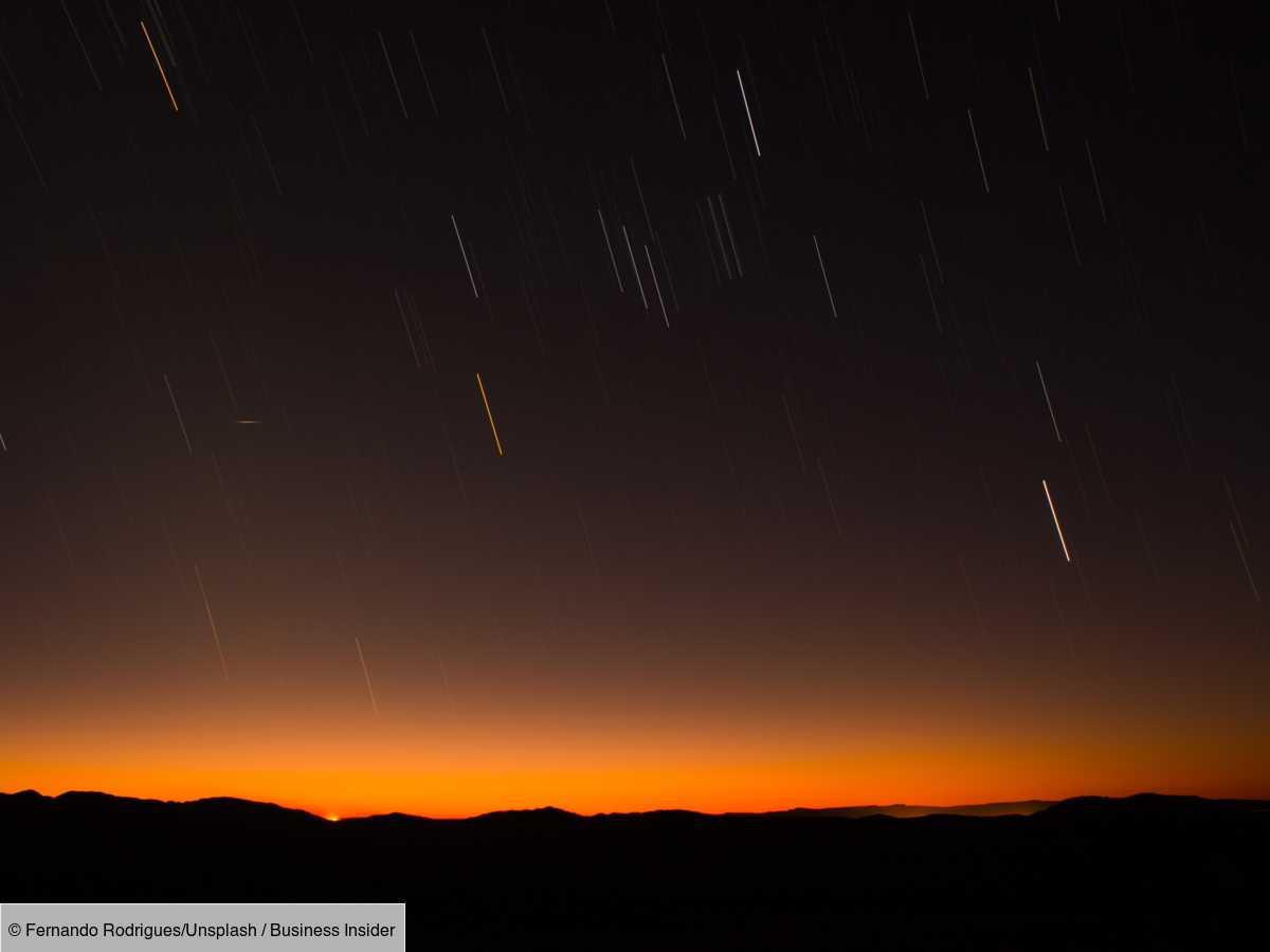 Cette semaine, la Terre traverse la poussière disséminée dans le sillage de la comète Swift-Tuttle. Ce phénomène a un autre nom, plus parlant : comme chaque année, nous assistons à la pluie d'étoiles filantes des Perséides. Il est possible d'ape