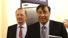 Billionaire Mittal Keeps a Load of Cash In His Back Pocket
