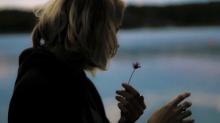 """Mulheres estão compartilhando conselhos para seus """"Eus"""" mais novos"""