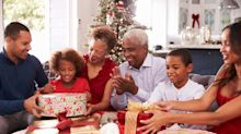 Families should self-isolate for 10 days before Christmas to protect elderly relatives, scientists warn