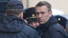 Russia detains anti-corruption protesters