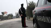 Le offre un passaggio in taxi e la violenta: 50enne arrestato