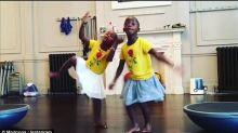 ¡Las gemelas de Madonna bailando Waka Waka!