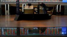 Ibovespa avança 0,9%, com menor temor de recessão global