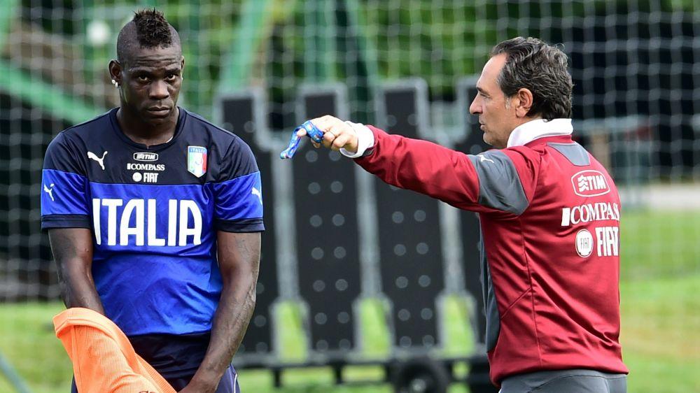 """Prandelli bacchetta Balotelli: """"Il lavoro non è la sua priorità"""""""