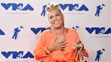 Pink brings daughter, Katy Perry, America to tears with amazing VMAs acceptance speech