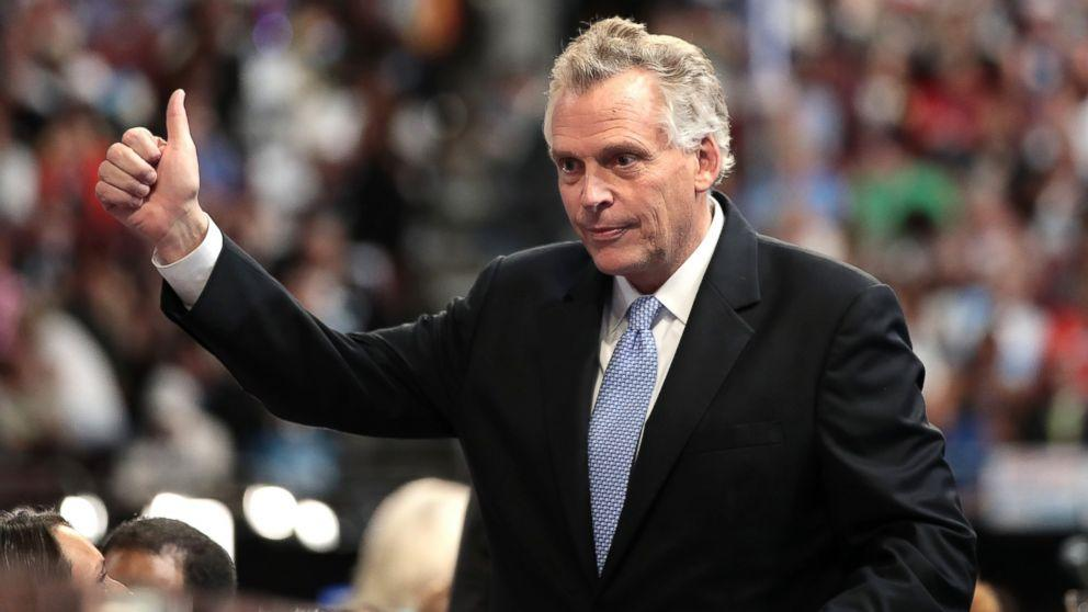 Va gov terry mcauliffe restores voting rights of felons for Interieur gov dz s12