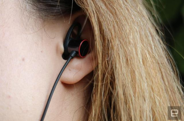 OnePlus' new headphones use magnets to pause playback