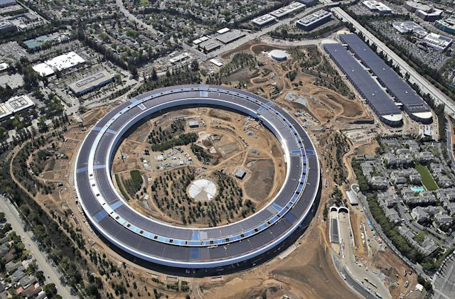 Recommended Reading: Inside Apple's new spaceship campus