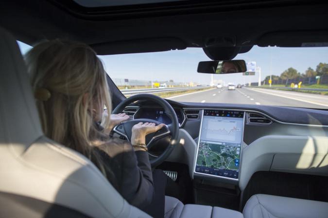 Tesla recalls 90,000 Model S sedans to check possible seatbelt defect