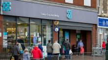 Co-op and Morrisons urge shoppers use cash as IT woes continue