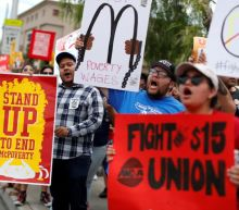 Majority of Americans support $15 minimum wage, Reuters/Ipsos poll shows