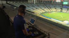 Brésil: un DJ pour remettre de l'ambiance dans un stade de football