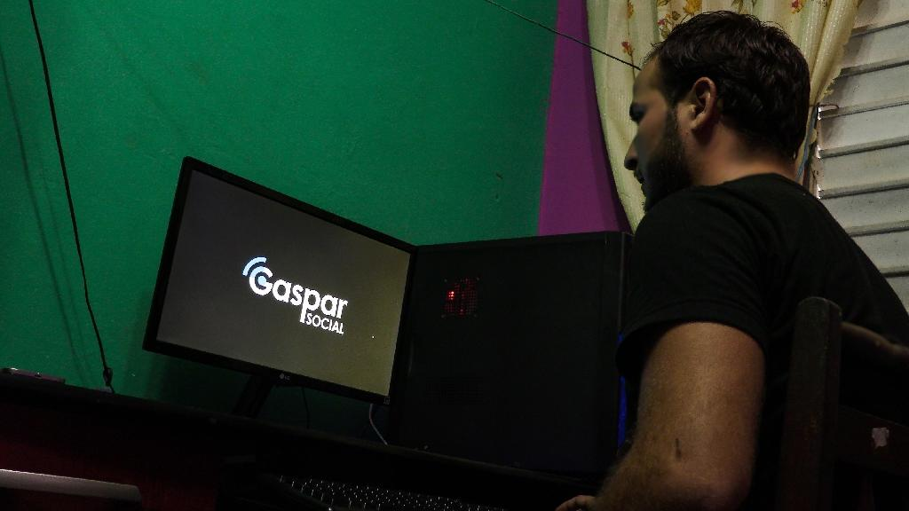Cuba's Gaspar Social started as a network for playing video games and has developed into a local version of Facebook (AFP Photo/ADALBERTO ROQUE)