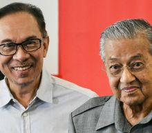 Malaysian king hits back at Mahathir amid crisis