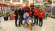 Smart & Final Teams Up with L.A. Clippers Star Sam Dekker to Surprise Smart & Final Shoppers and Store Associates