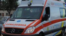 Incidente a Moscufo, in provincia di Pescara: auto finisce contro un albero