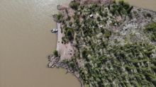 Section of Great Slave Lake's water like 'chocolate milk,' boaters say
