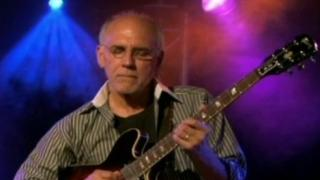 Larry Carlton Trio: The Paris Concert