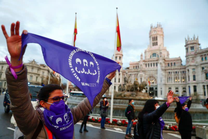 Des milliers de femmes manifestent en Espagne pour réclamer l'égalité