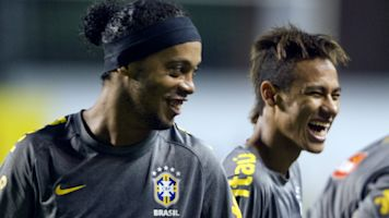 WTF - Ronaldinho proche d'un retour en Europe à 39 ans