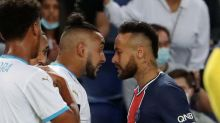 Em leitura labial, TV flagra Neymar proferindo insultos homofóbicos a González, que é acusado de racismo