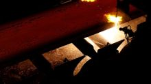 Sem demanda, siderurgia vai abafando fornos, ações despencam