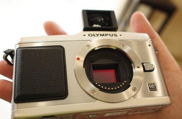 Engadget Chinese goes hands-on with the Olympus E-P1
