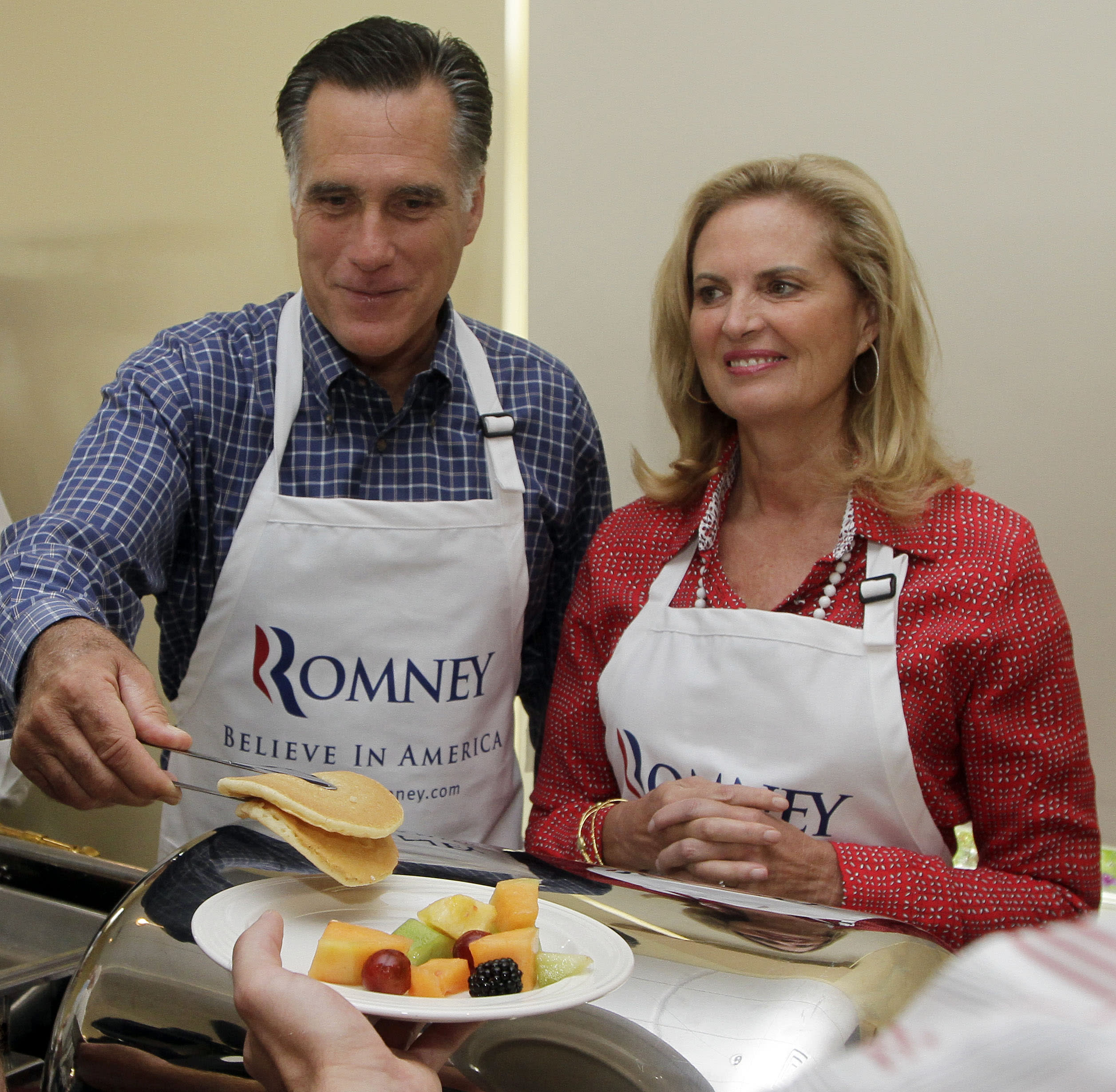 White apron nh