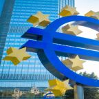EUR/USD Price Forecast – Euro Can't Get Off Of Its Back
