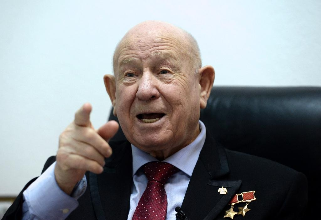 Soviet cosmonaut Alexei Leonov, who was the first man to walk in space on March 18, 1965, gestures during his interview with AFP in Moscow on March 16, 2015 (AFP Photo/Vasily Maximov)