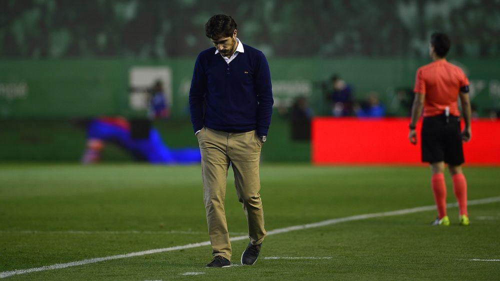 Las Palmas golea al Betis y compromete el puesto de Víctor