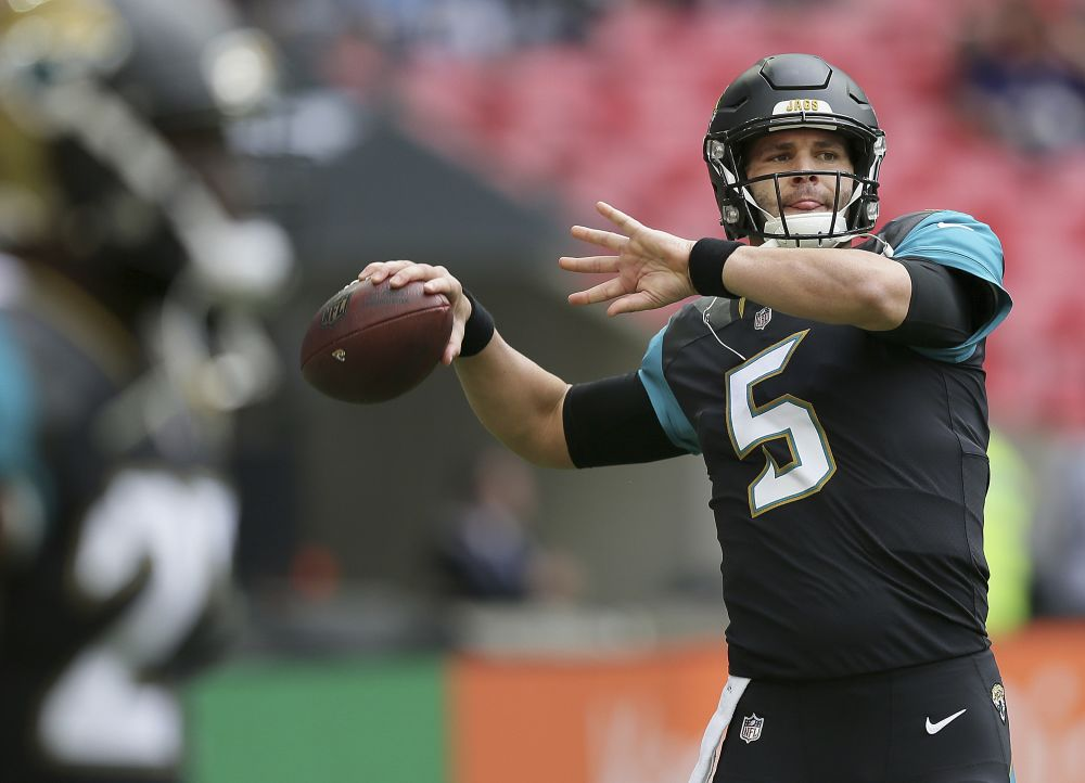 Jacksonville Jaguars quarterback Blake Bortles led his team to an early field goal with a great pass on the first drive. (AP)