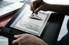 Wacom adds a baby Cintiq, the 12WX tablet / display