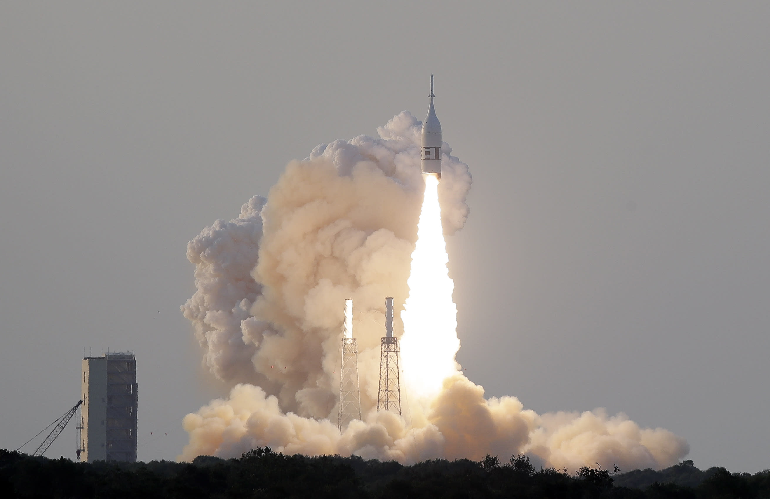 NASA successfully launches test of new Orion capsule abort system