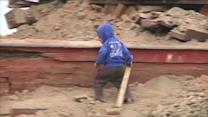 Overseas medics help Nepal's quake victims, rubble clean up begins