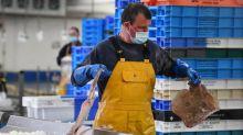 Coronavirus: le port du masque va-t-il être généralisé en entreprise?