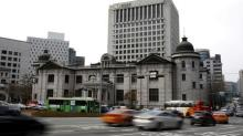 Bank of Korea sees limited outflows post-U.S. rate hikes, to keep policy accommodative