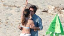 Pasión en Saint Tropez: Carlota Casiraghi y Dimitri Rassam se comen a besos en la playa