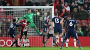 Kane earns Spurs a point at St Mary's