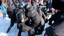 Clashes as protests in support of Navalny sweep across Russia