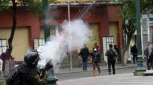 En medio de la violencia en Bolivia, Áñez forma su gobierno y Morales se dice listo para volver