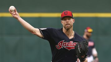Report: Rangers swing trade for Corey Kluber