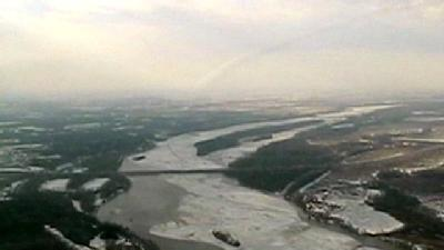 Crews Inspect River 'Ice Dusting'