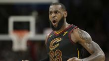 LeBron keeps making it look easy, crowns Kings as Cavs win 13th straight