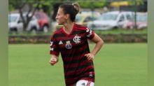 Recuperada, volante do Flamengo celebra atuação após nove meses: 'Felicidade é o sentimento'